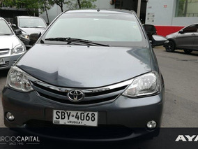 Toyota Etios Xls 2015 Gris Oscuro Excelente Estado