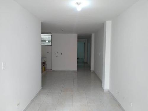 Apartamento En Arriendo Cabañas 622-16689