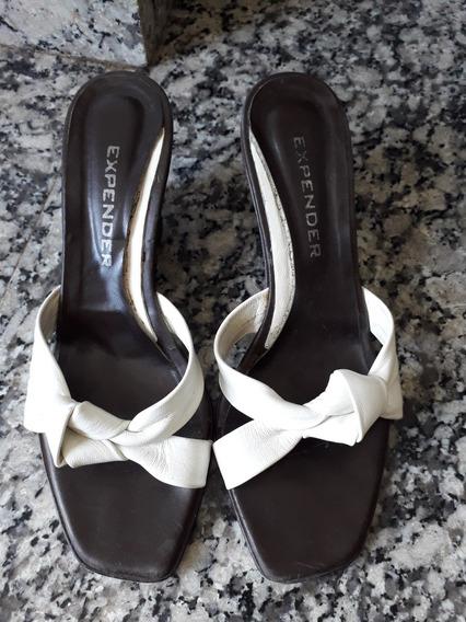 Zapatos Taco Chino. Color Blanco