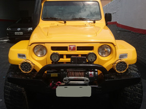 Troller T4 2011 Amarelo