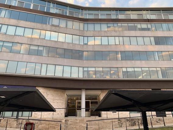 Excelente Oficina En Alquiler Ubicación Frente - Ed. Vientos Del Delta Nordelta