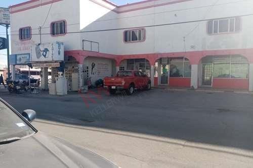 Imagen 1 de 6 de Centro Comercial Muy Amplio A La Venta Zona Eje Vial Juan Gabriel Y Centro