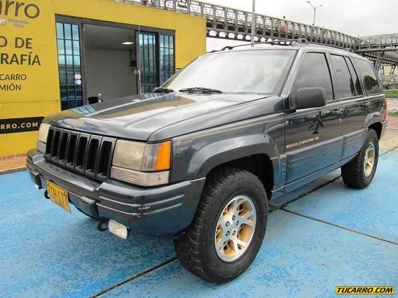 Jeep Cherokee Limited 4x4 5200cc At Aa