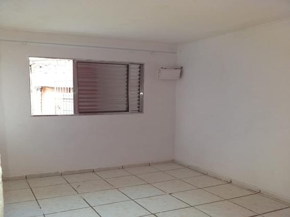 Casa Com 02 Dormitórios - Vila Cristina/jd Ana Ester - Carapicuiba R$ 500,00 - 11439