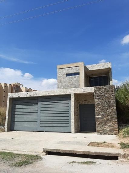 Casa En Venta En Mañongo 04140434303.
