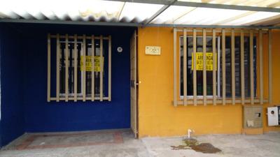 Casa En Barrio Manantiales