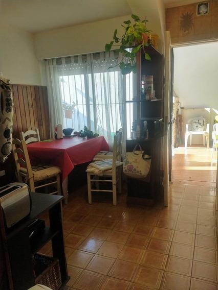 Casa En Lote Propio 2 Dormitorios 2 Baños Patio.