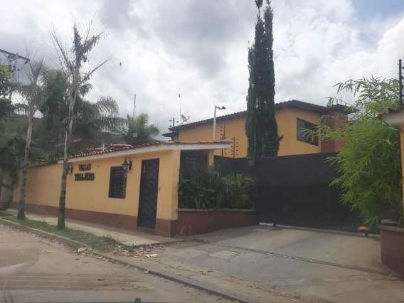 En Venta Hermoso Townhouse En El Manantial, Municipio Naguan