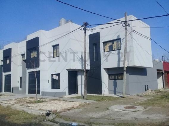 126 Esq 5, Duplex En Venta, Berisso.-
