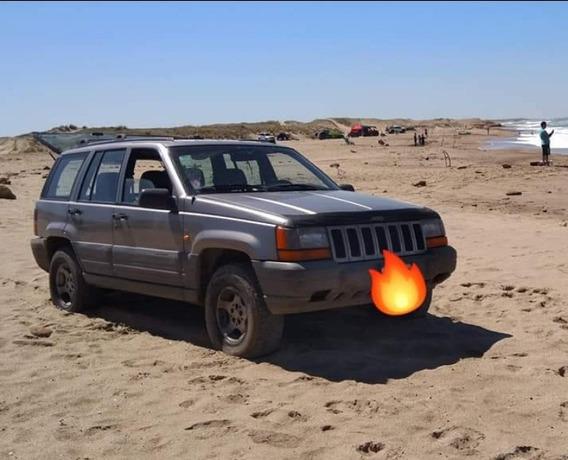 Jeep Grand Cherokee 4.0 Laredo 1999
