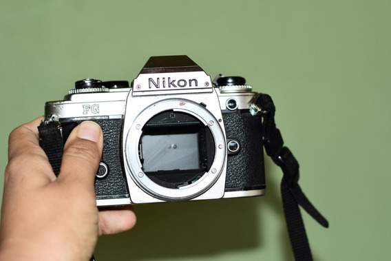 Câmera Nikon Fg (corpo)