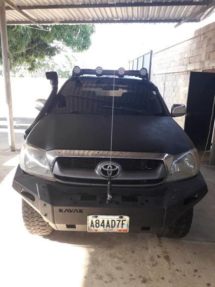 Toyota Hilux 2.7 Automático 4×2