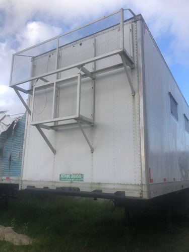 Imagem 1 de 5 de Carreta Truckvan 2009