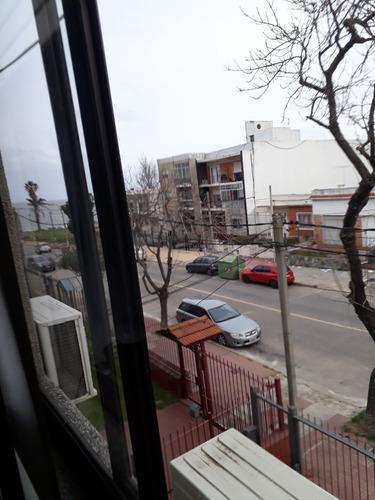 Ph Independiente, 2 Dormitorios Y Servicio A1 Cuadra Del Mar