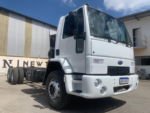 Ford Ford Cargo 2422 Truck + Chassis 2009