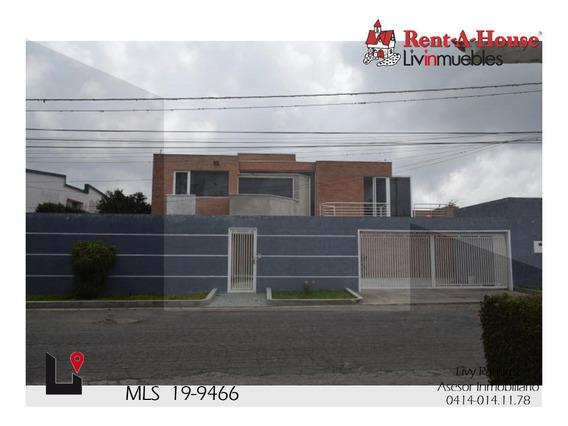 Casa En Venta. Club De Campo Mls #19-9466