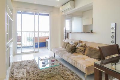 Studio No 13º Andar Mobiliado Com 1 Dormitório E 1 Garagem - Id: 892927507 - 227507