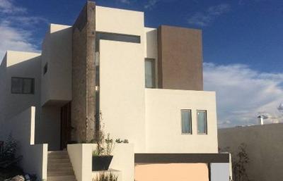 Casa Bien Ubicada, Con Preciosa Vista A La Presa.