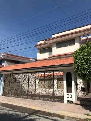 Oportunidad Para Inversión. Casa En Venta Para Oficina En Colinas De Cimatario, Querétaro