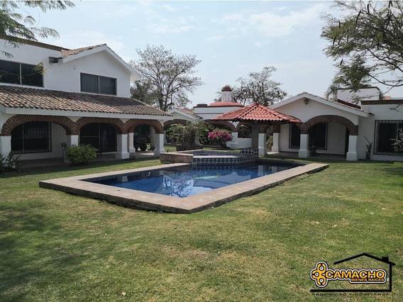 Casa En Venta En Lomas De Cocoyoc Olc-0842