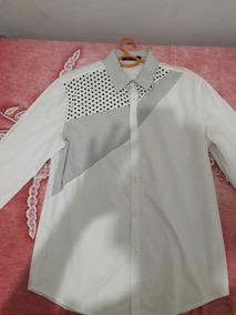 Camisa Branca Manga Longa Com Detalhes Preto