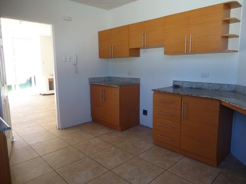 Imagen 1 de 10 de Alquiler Casa En Zona 16