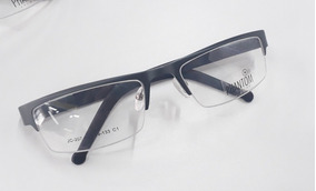 5987304d5 Oculos Masculino Com Fio Contrastante - Óculos Prateado no Mercado ...