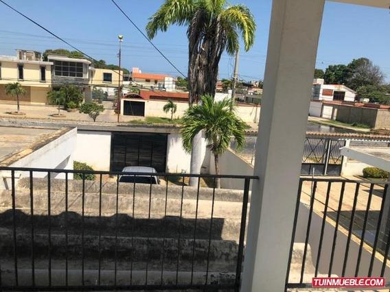 Casa Quinta Amplia Parcelamiento Miranda, Av. Andrés Bello