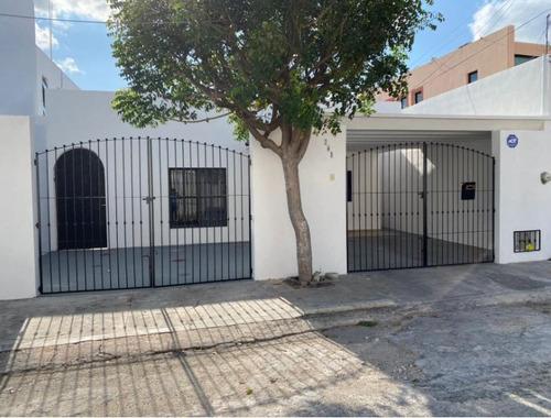 Imagen 1 de 21 de Casa En Venta En Mérida Yucatán, Montes De Ame De 1 Planta  Con Alberca