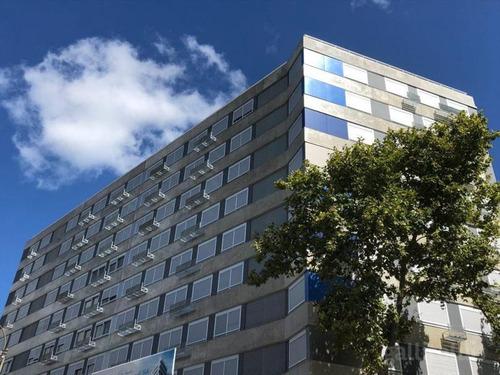 Torre Indigo,. Fernandez Crespo Y Cerro Largo