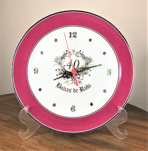 Imagem 1 de 4 de Relógio 40 Anos Bodas De Rubi 27,5cm