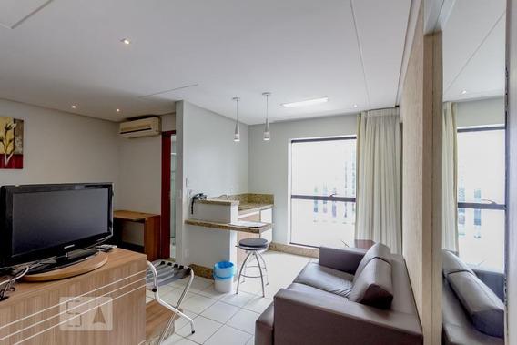 Studio No 8º Andar Com 1 Dormitório E 1 Garagem - Id: 892949710 - 249710