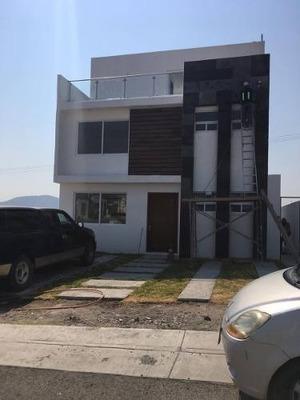 Se Vende Preciosa Casa En Grand Juriquilla