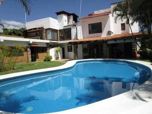 Casa En Renta En Villa Intern. De Tenis, Cuernavaca Morelos.