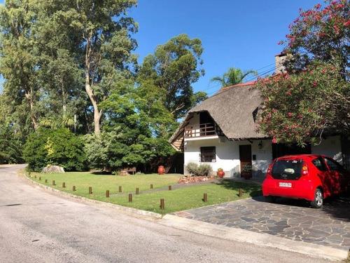 Casa En Alquiler Por Temporada De 4 Dormitorios En Pinares