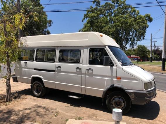 Furgón Mini Bus Iveco Daily 40.10 Escolar