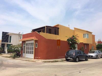 Casa De 5 Recamaras Y 3 Baños, Sala, Comedor Cocina