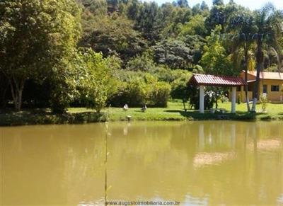 Chácara Com Lago, Diversidade De Peixes, Aproveite E Agende!