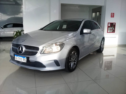 Mercedes Benz Clase A A200 Urban 1.6 At 5p 2017 U/m 70.000km