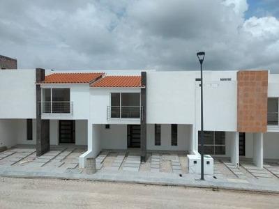 En Venta Casas En Condominio Amplias Y Con Alberca