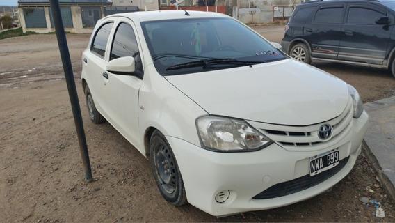 Toyota Etios 1.5 X 2014