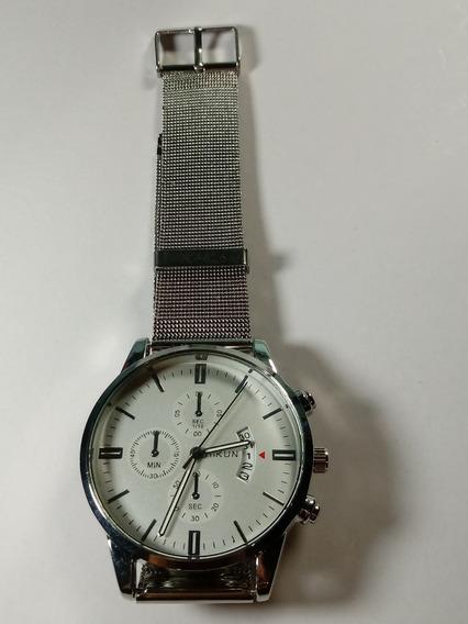 Relógio Unisex Aikun, De Metal Prateado Fundo Branco