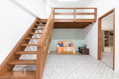 Casa Mobiliada Com 1 Dormitório E 2 Garagens - Id: 892920198 - 220198