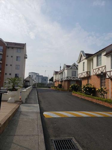 Alquiler De Apartamento Sector  Avenida  Centenario