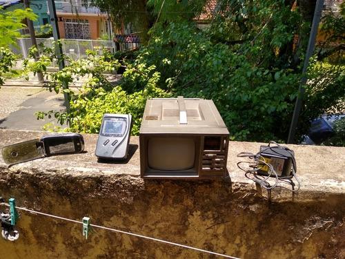 Tv Broksonic C Rádio. Grátis+2 Tv De Bolso.