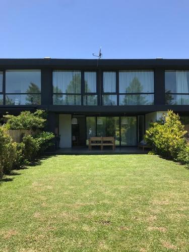 Imagen 1 de 18 de Casa En Alquiler Temporal En Buenos Aires Village