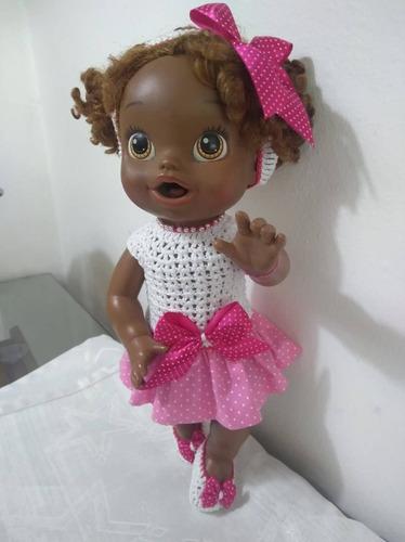 Roupa Baby Alive Em Crochê E Pano Rosa E Branca Com Tiara
