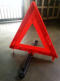 Triángulo De Seguridad Safety C/estuche