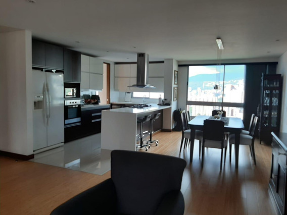 Apartamento En Venta En Poblado Cerca Al Campestre