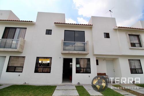 Venta Casa 2 Pisos 2 Recamaras Cantera Villa San Remo Celaya